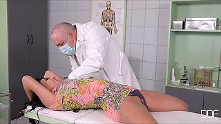 Kinky doctor tie sup busty female patient and licks her pussy