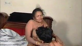 Indian aunty fucked 2