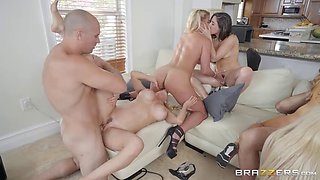 bombastic fuck fest in the brazzers house