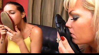 Two babes love to smell nylon feet