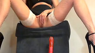 Smoking hot babe rubbing wet pussy with fingers in solo video