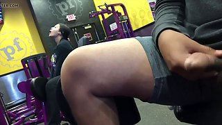 Guy flashing latina woman in the gym