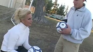 Boobalicious blond mommy sucks her brutal young lover off in fancy style